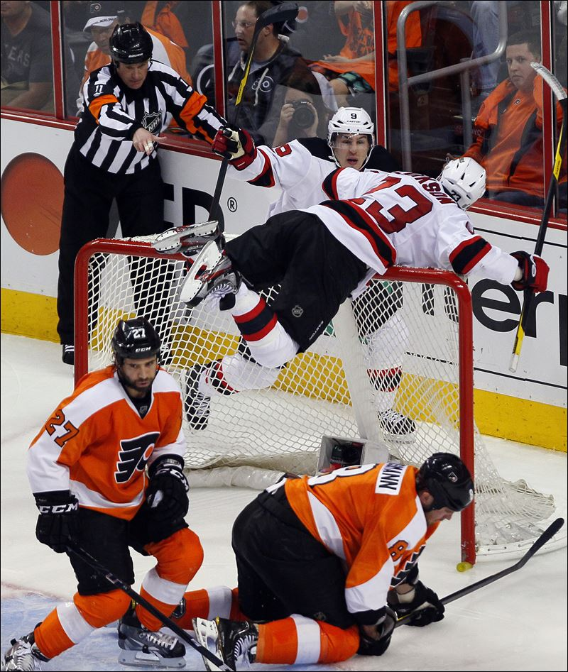 Devils-even-series-with-Flyers.jpg
