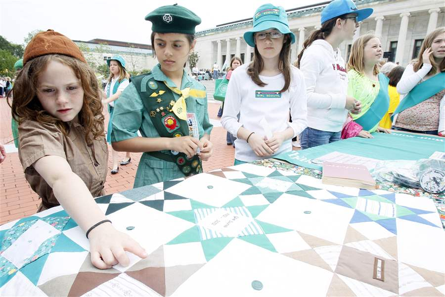 Girl-Scouts-mark-100-years-with-a-night-at-the-museum