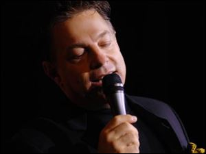 Steve Lippia will present Simply Sinatra with the Toledo Symphony at 8 p.m. Saturday at the Stranahan.