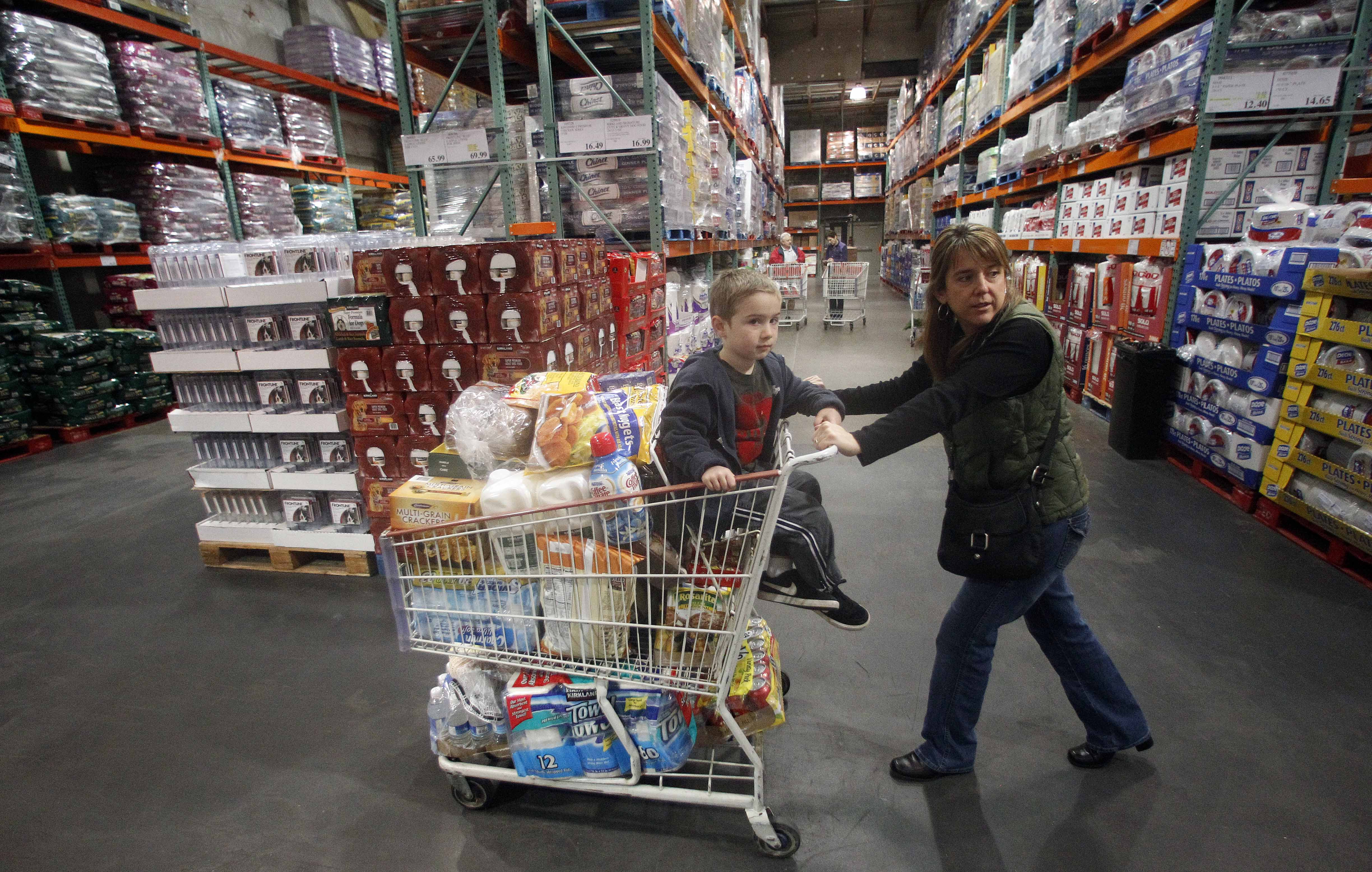 warehouse costco tries to boost its online sales