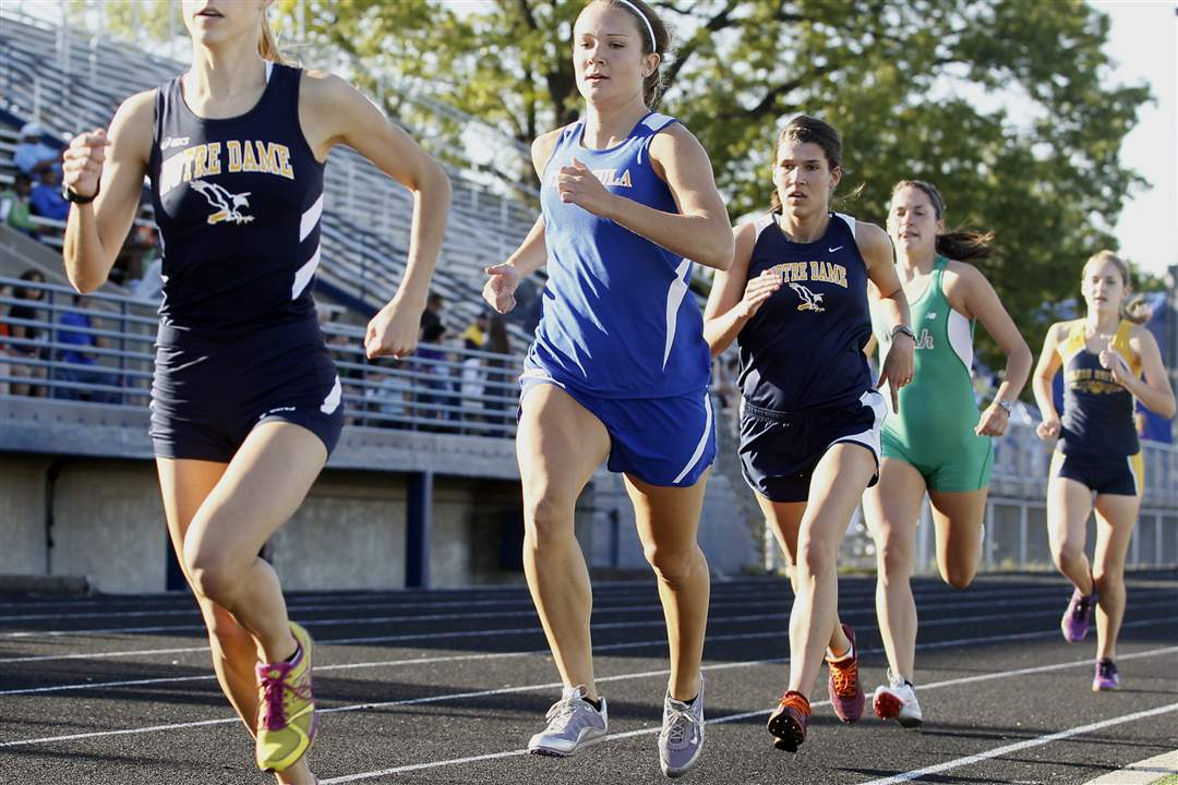 Francesca-Veluscek-of-Notre-Dame-wins-the-1600-meter-run
