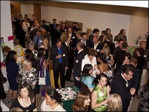 The crowd at the West Side Montessori Annual Fundraiser.