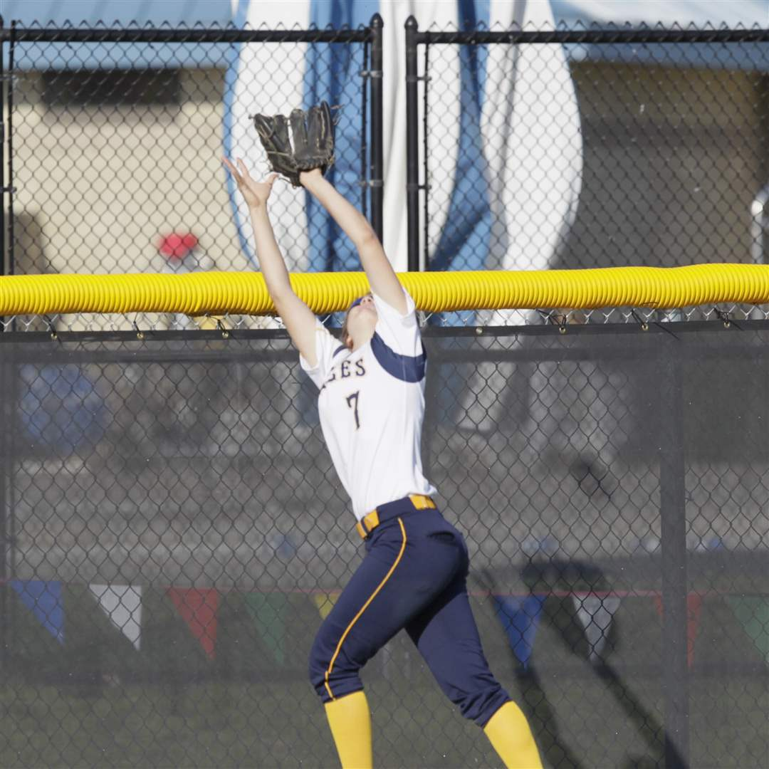 NDA-left-fielder-Molly-Walters-makes-a-catch