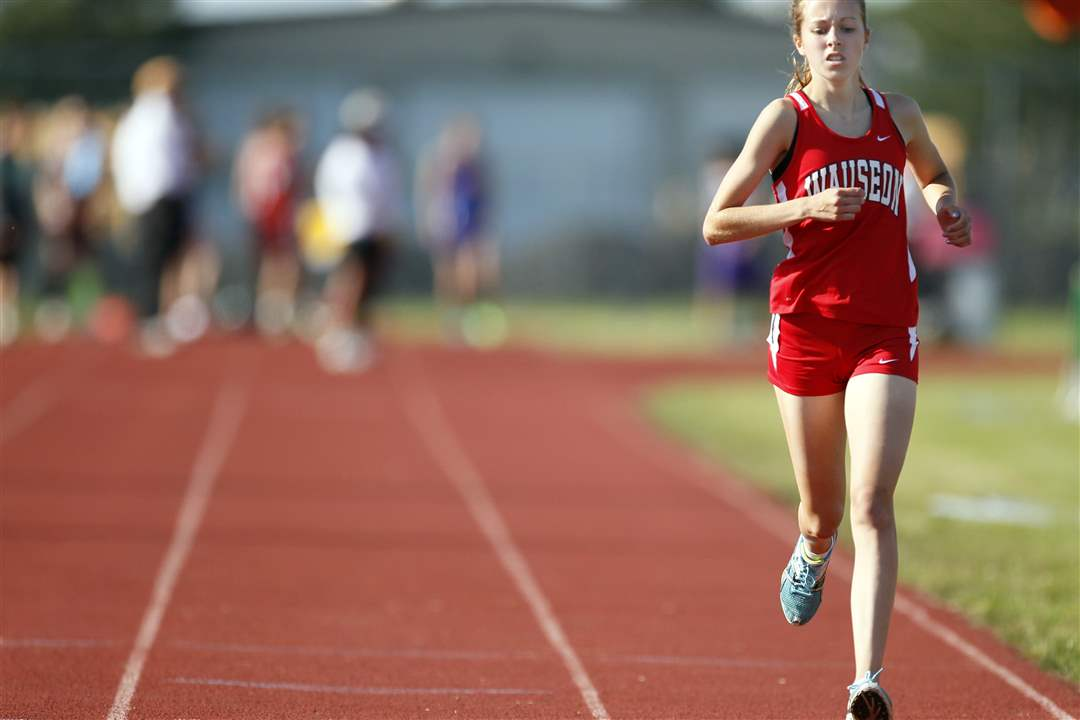 Taylor-Vernot-of-Wauseon-takes-commanding-lead