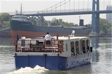 cruise-turns-maumee-into-international-waters-3