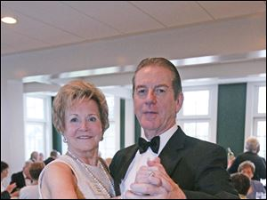 Paula Hansen, left, and her husband Len Hansen.