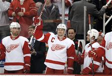 Lidstrom-may-announce-retirement