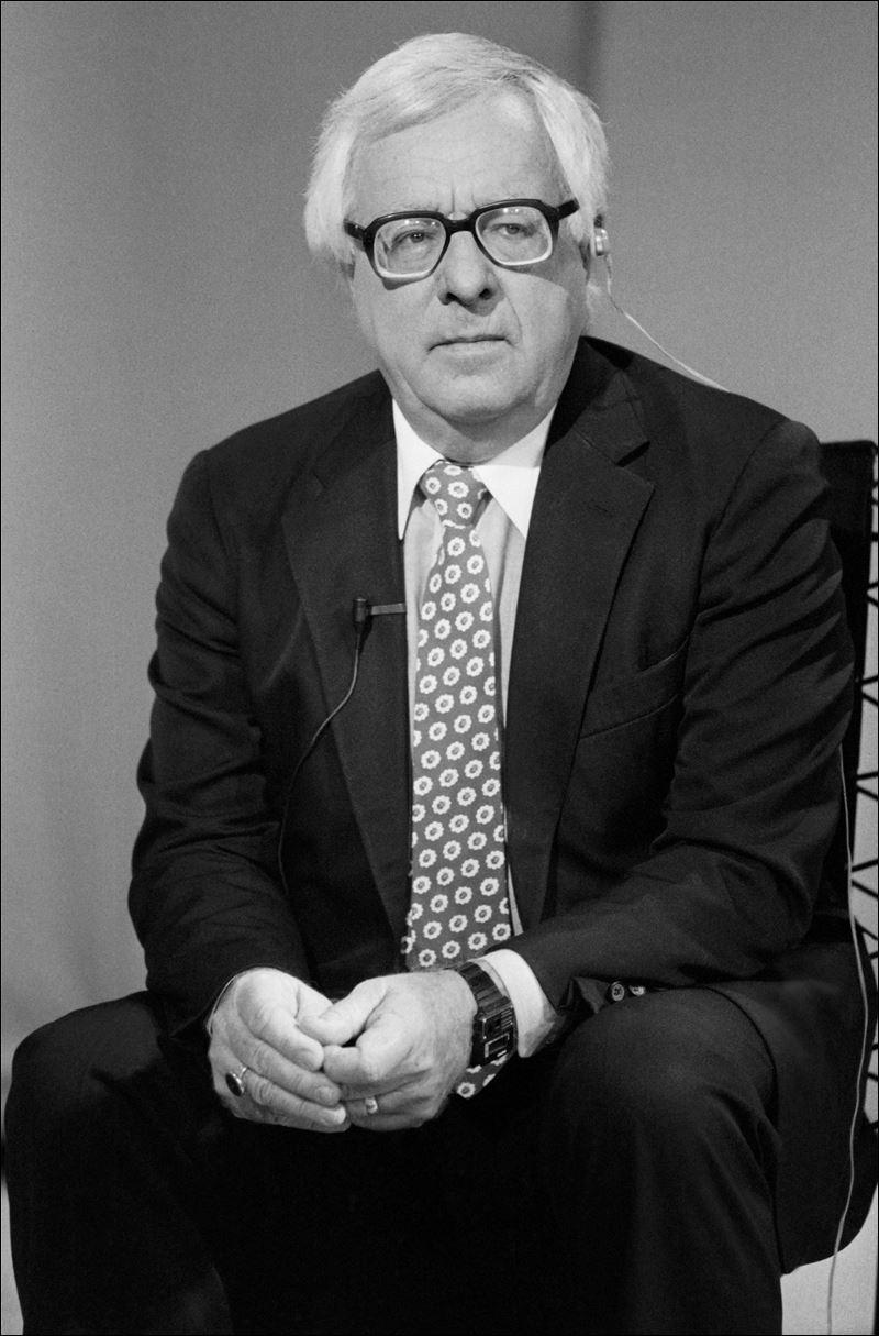 ray bradbury biography Ray douglas bradbury (1920-2012) ray bradbury was born on august 22, 1920, in waukegan, illinois his father, leonard spaulding bradbury.