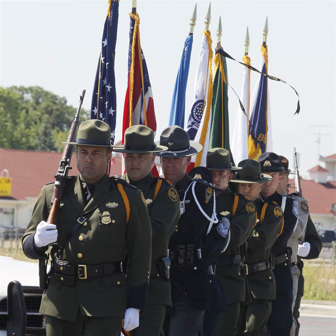 Border-honor-guard
