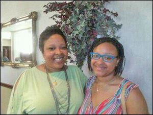 Carla Hodge and daughter Chelesa.