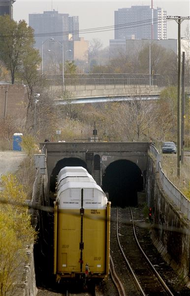 Tunnels Provide Key U S Canada Link From Detroit The Blade