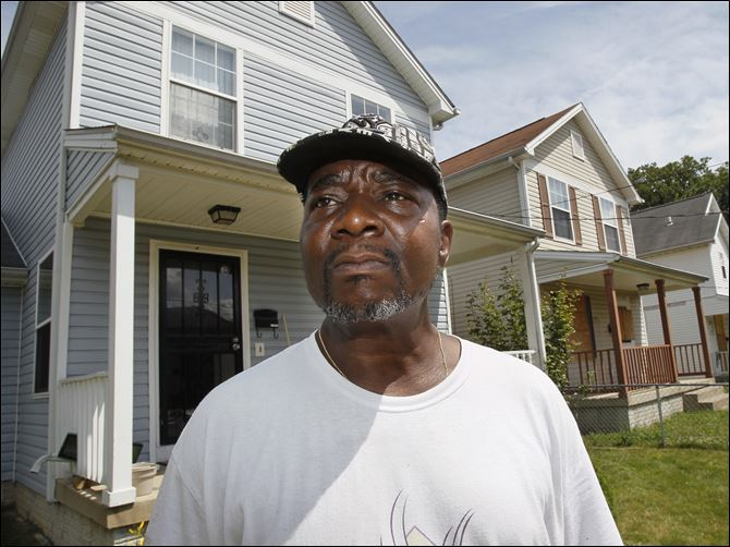 Better-housing plan drains Toledo coffers Zettie Williams lives in the last occupied house built by the Warren-Sherman Area Council on the 2200 block of Kent Street. Seven houses were built on the street.