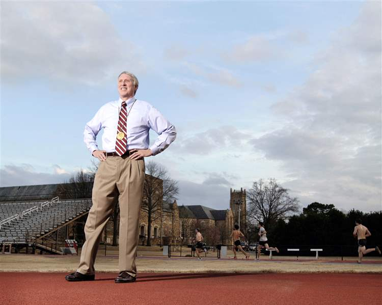 Dave-Wottle-standing-on-the-track-at-Rhodes-College