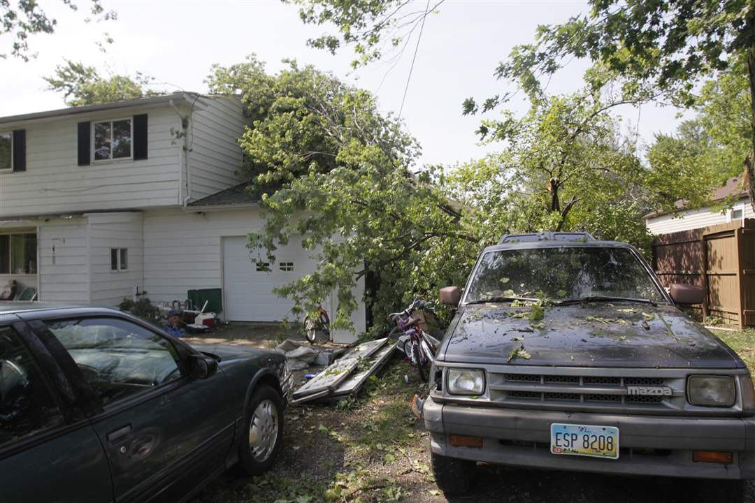 Two-large-branches-fell-on-part-of-Rudy-Ochoa-s-house