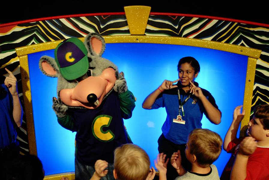 chuck-e-cheese-gets-makeover