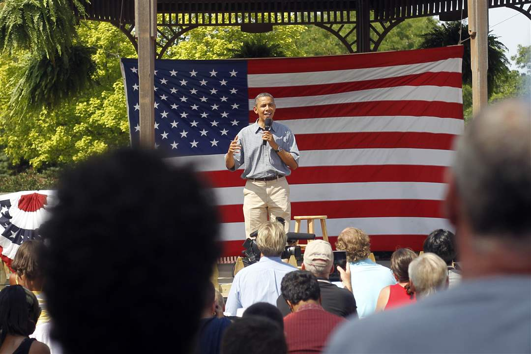 Obama-sandusky-stage