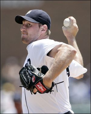 Max Scherzer struck out seven batters in seven innings, earning the win for the Tigers on Sunday.