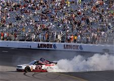 NASCAR-New-Hampshire-Nationwide-Auto-Racing