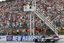 NASCAR-New-Hampshire-Auto-Racing-2