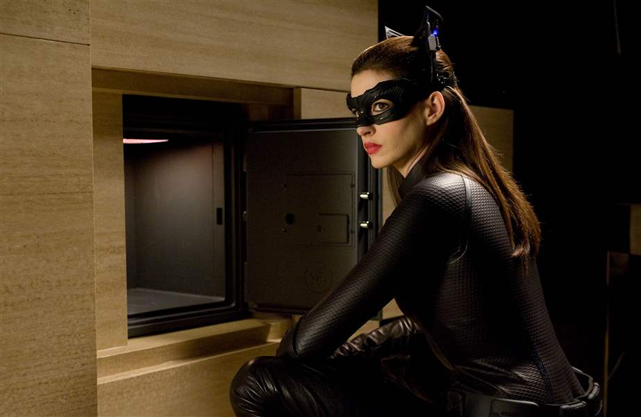 Film-Review-Dark-Knight-Rises-catwoman