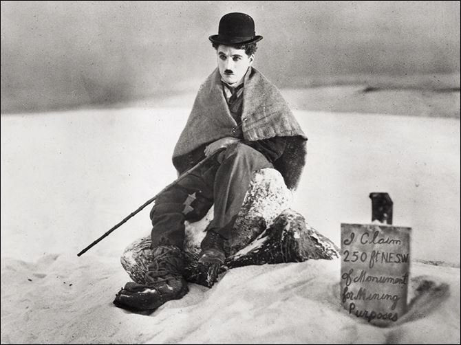 AP CHAPLIN REVIVAL Legendary silent film actor-director Charlie Chaplin is shown in a scene from the 1925 film 'The Gold Rush.'