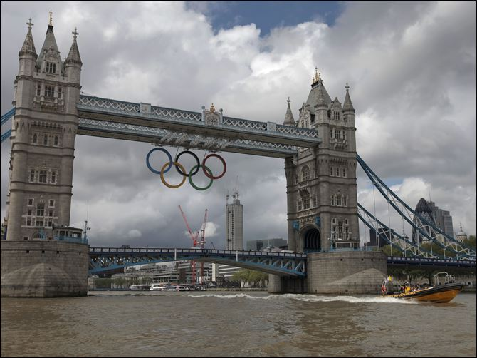 Britain OLY London 2012 Thames Highway The iconic Tower Bridge spanning the river Thames shows its Olympic spirit in welcoming the world.
