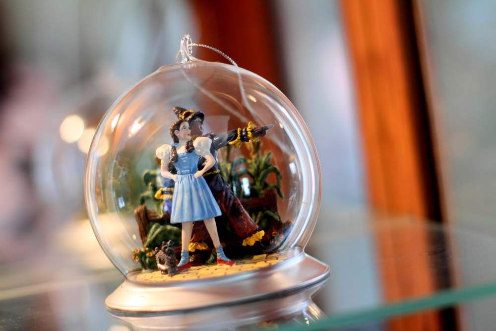 A-Bradford-WIzard-of-Oz-Christmas-ornament-is-displayed