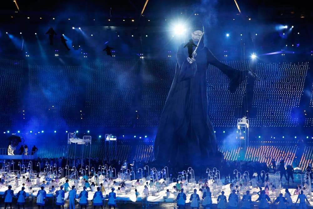 Actors-perform-during-the-Opening-Ceremony-at-the-2012-Summer-Olympics