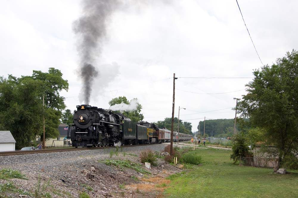 Nickel-Plate-765-steam-engine