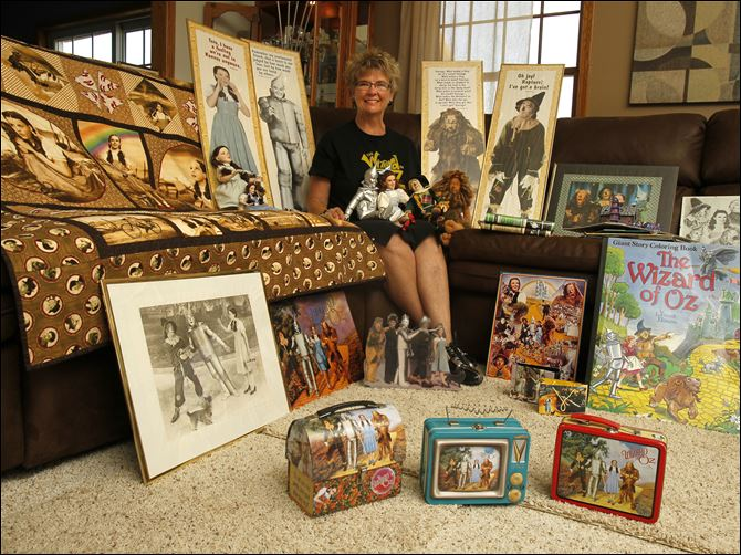 For over 20 years Judy Rosebrook of Deshler For over 20 years Judy Rosebrook of Deshler, Ohio has been gathering hundreds of Wizard of Oz collectibles. Rosebrook's collection includes stationary, quilts, cross stitch, books, lunch boxes, posters, plates, checks, placemates, globes, cows, Christmas ornaments, dolls, blankets and watches.