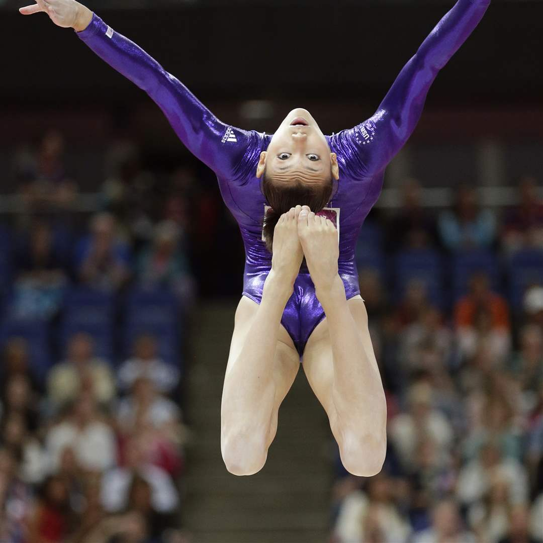 Canadian women shine at 2015 world artistic gymnastics