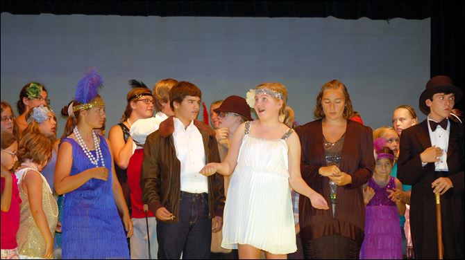 flapper From left, Larissa Barman as Susan Stuyvestant Fish, Ben Davies as Buck Wayne, Megan Wax as Polly Pepper, Allie Dembicki as Mrs. Granville, Ryan Book as the Duke, and the cast of 'Flapper.'