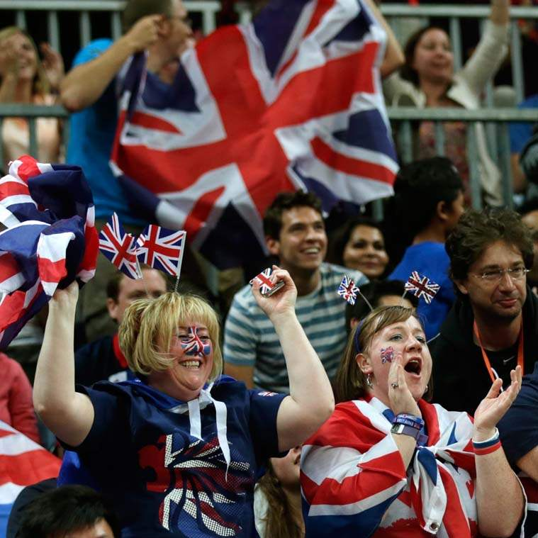 London-Olympics-Basketball-Men-British-fans-cheer