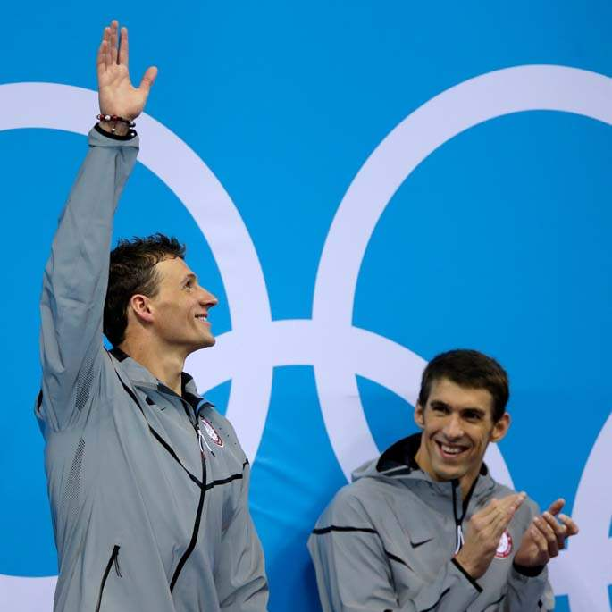 London-Olympics-Swimming-Men-Ryan-Lochte-waves-to-fans