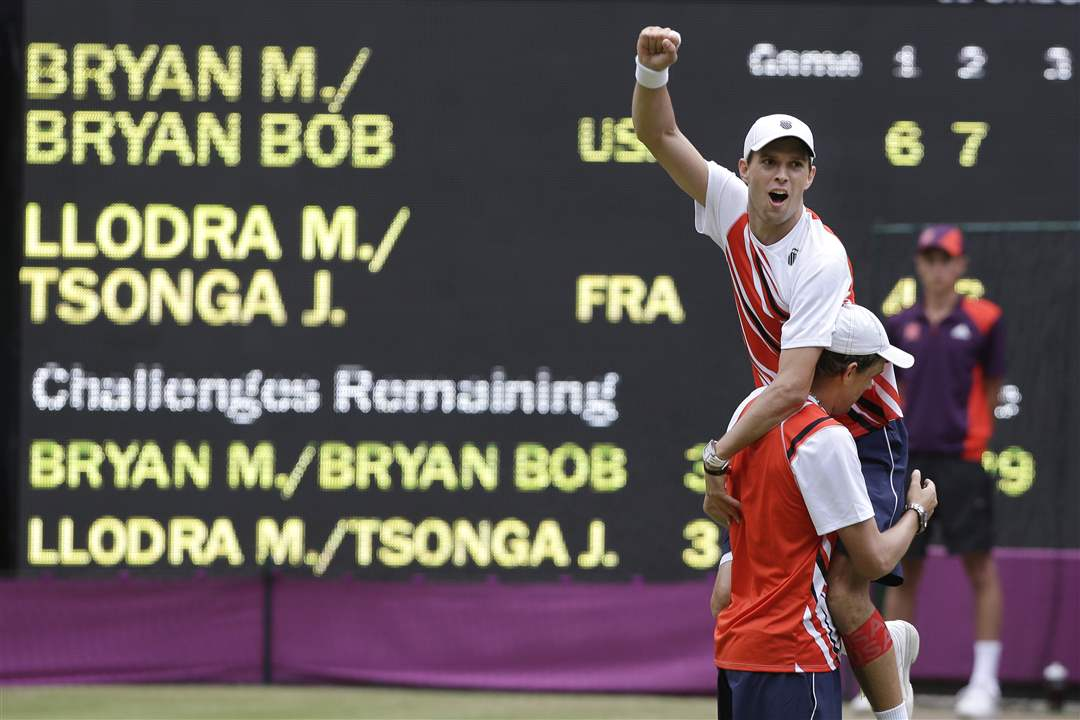 Mike-Bryan-top-and-Bob-Bryan