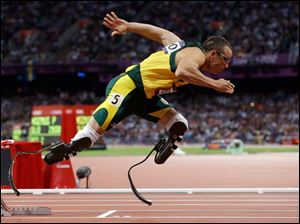 South Africa's Oscar Pistorius starts in the men's 400-meter semifinal.