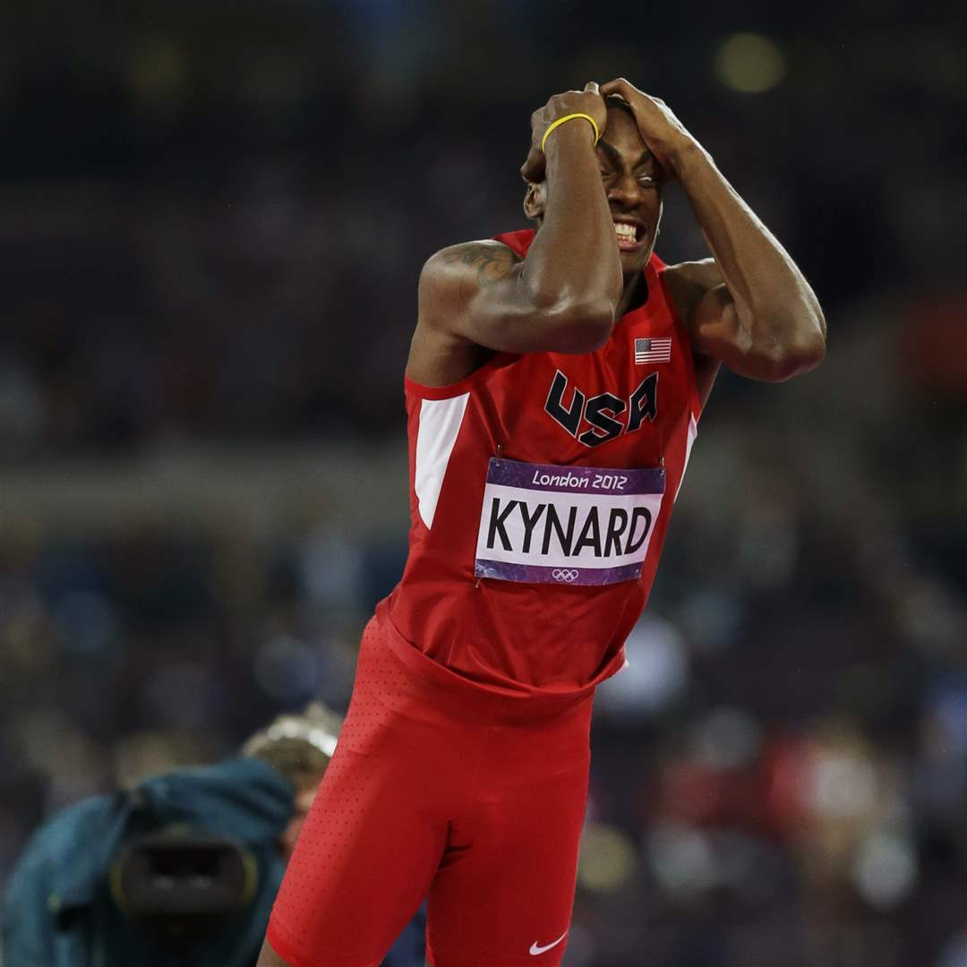 United-States-Erik-Kynard-reacts-after-failing-2