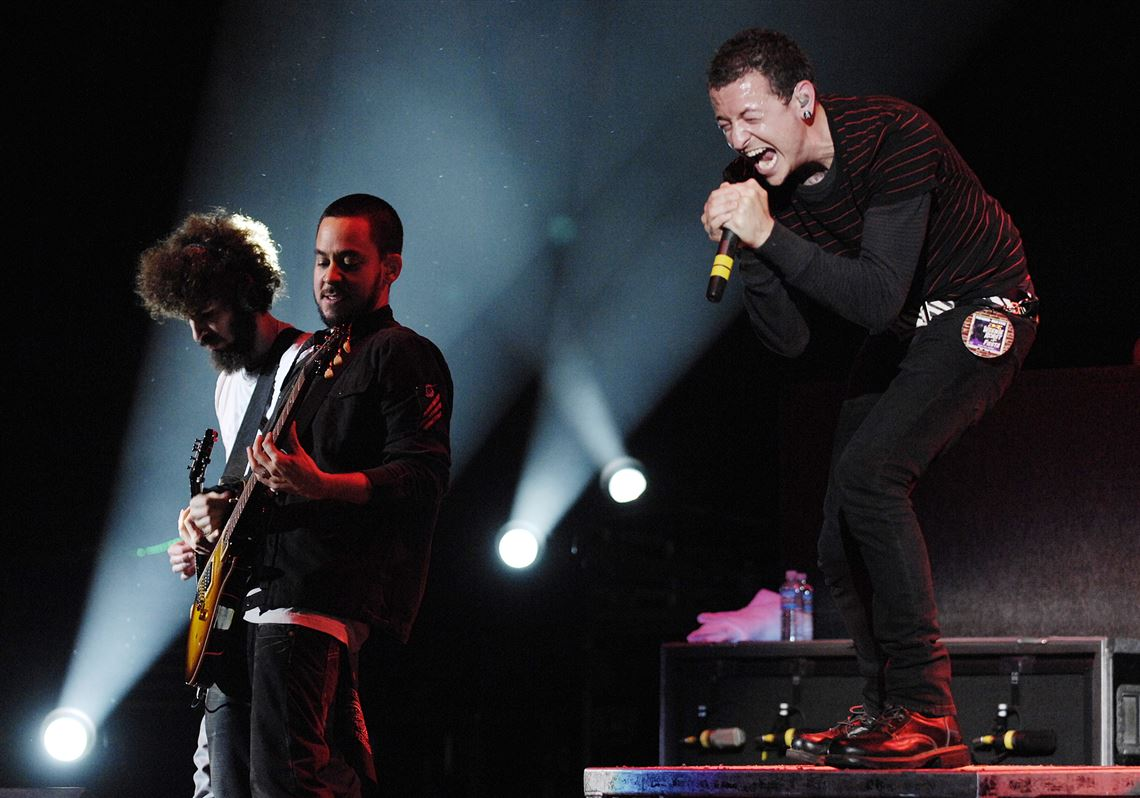 Linkin Park's Chester Bennington, right, Mike Shinoda, second from right,  and Dave. 1. Linkin Park talks Incubus and Honda Civic Tour