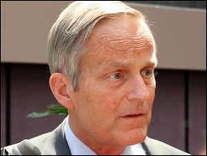Todd Akin, Republican candidate for U.S. Senator from Missouri did not withdraw from the state's senate race.