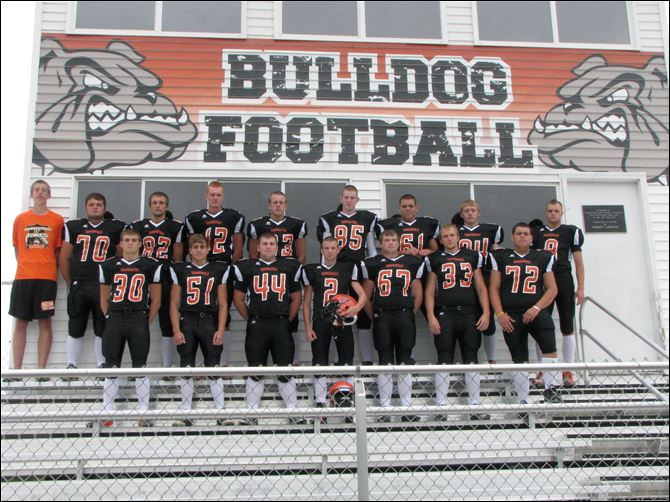 spt SUMMERFIELD HS FOOTBALL SUMMERFIELD SENIORS, FROM LEFT: Row 1: Jake Ogle, Zach Collins, Brad Sweeney, Blane Kottke, Shiloh Robinson, Spike Cress, Skyler Krueger Row 2: Derrick Garner, manager; Mike Phillips, Andrew Cilley, Lucas Diver, Dakota Ladd, Taylor Wentworth, Caleb Krueger, Jordan Link, Steve Schankin