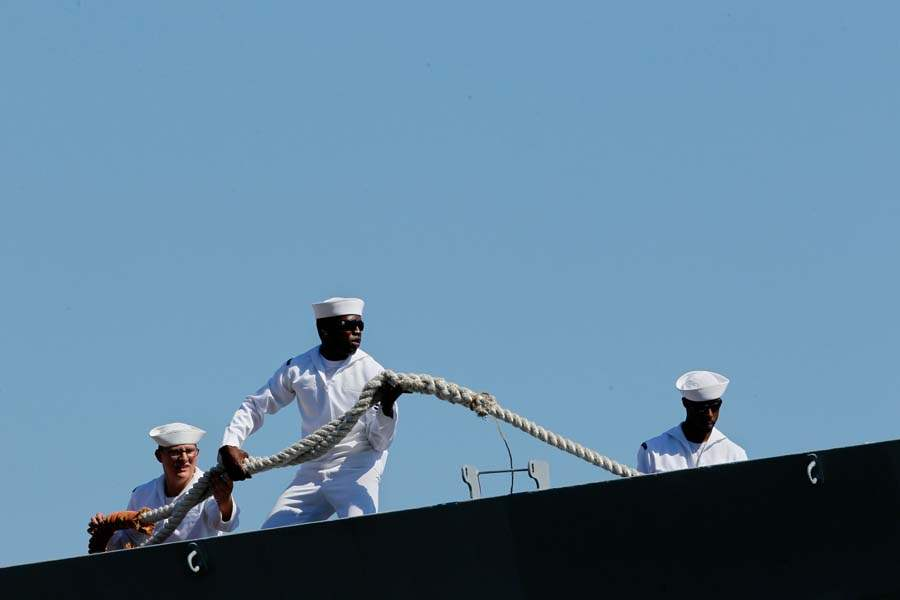 de-wert-sailors-docking