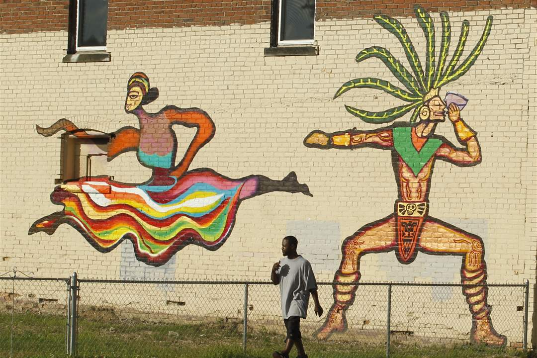 Broadway-murals-dancing-figures