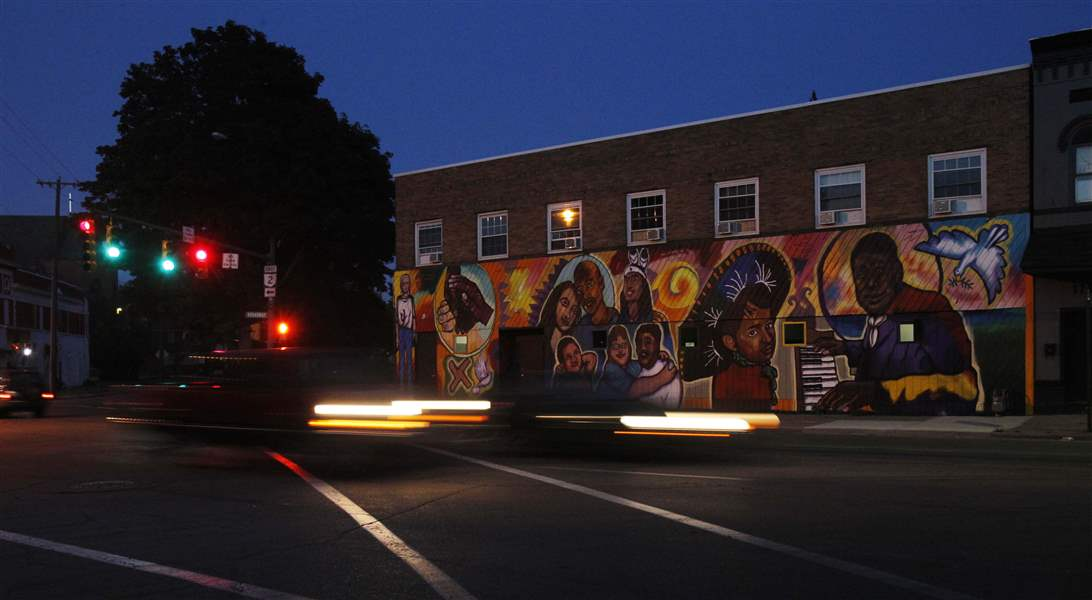 Broadway-mural-BGSU-local-people