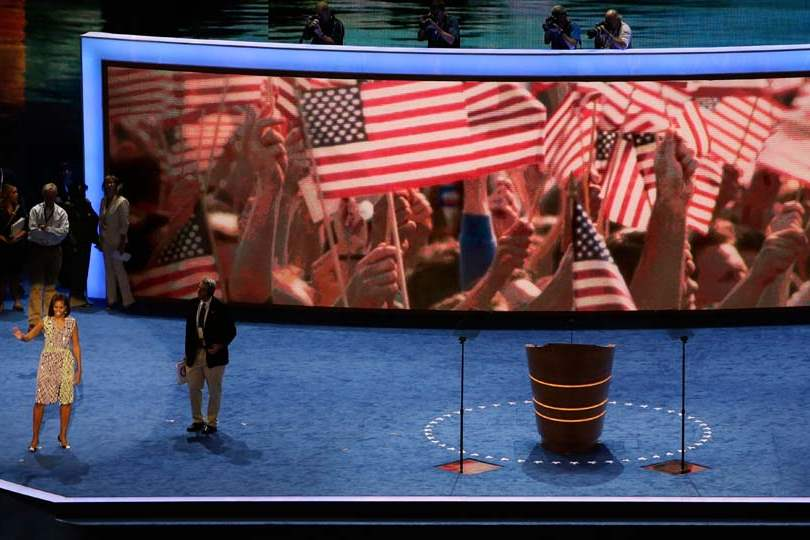Democratic-Convention-mrs-obama-waves