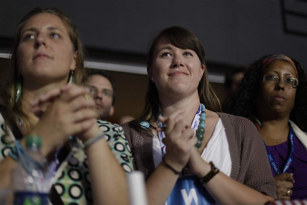 Democratic-Convention-women-clap