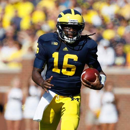 University-of-Michigan-quarterback-Denard-Robinson-2