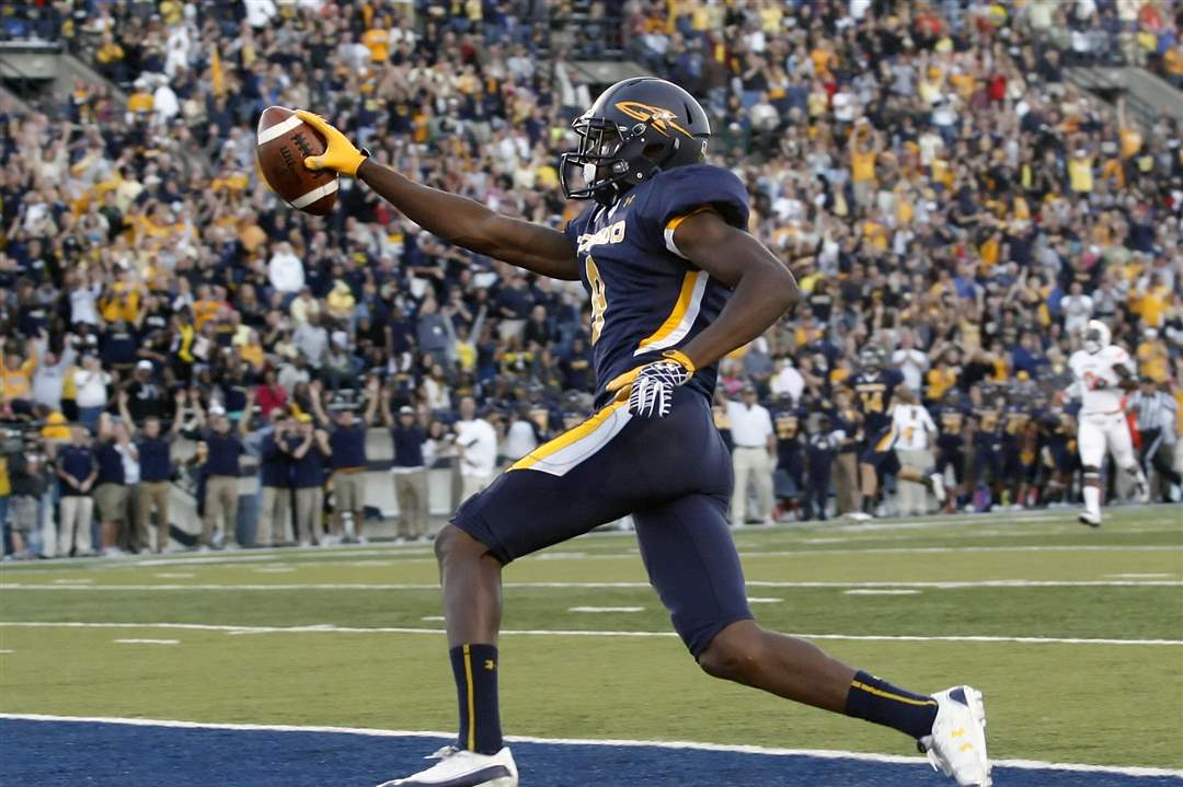 University-of-Toledo-wide-receiver-Alonzo-Russell-9-scores