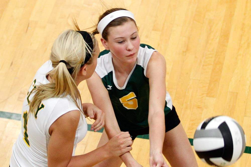 ND-at-Clay-volleyball-return