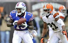 Buffalo-Bills-wide-receiver-Stevie-Johnson-catches-a-nine-yard-touchdown-pass