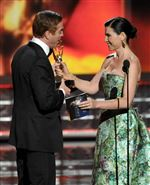 Julianna-Margulies-right-presents-the-award
